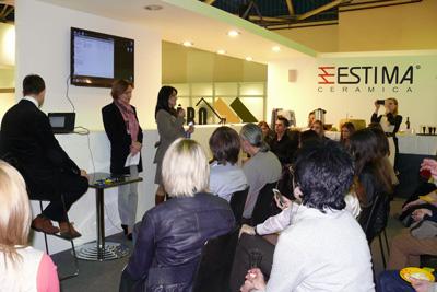 Организаторы конкурса Керамогранит в архитектуре беседуют с архитекторами